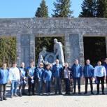 Удмуртия присоединилась ко Всероссийскому субботнику по благоустройству воинских мемориалов
