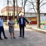 В детском саду «Крепыш» Балашихи заасфальтировали площадку ПДД в рамках партпроекта «Безопасные дороги»