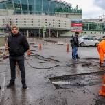Михаил Мурзаков проверил ход работ по благоустройству в Мытищах