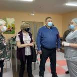 Активисты Губкинского проверили качество питания в школьной столовой