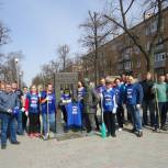 Городская среда: В заречном партийцы привели в порядок Сиреневую аллею