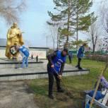 Волонтеры и активисты «Единой России» приводят в порядок мемориалы и памятные места Самарской области