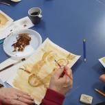Партийцы организовали творческое занятие для старшего поколения в доме культуры в Мишнево