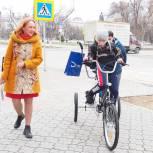 Елена Кашкарова приобрела специализированный велосипед для ребенка из Ишима