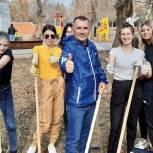 Активисты привели в порядок городской парк в Энгельсе