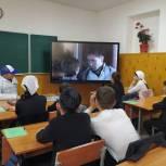 Ко Дню Победы школьникам Чечни показали исторические фильмы