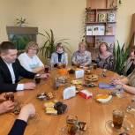 Андрей Воробьев на встрече с учителями в Калининске: Региону нужна собственная программа капремонта школ и детских садов