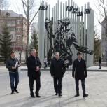 Сергей Медведев проверил дворовые территории в микрорайоне Мыс