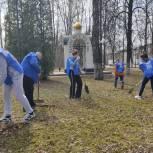 В Электростали партийцы вышли на областной субботник