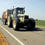 «Единая Россия» обратила внимание на проблему передвижения сельхозтехники по автодорогам