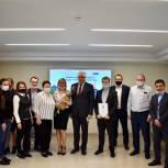 Единороссы Балашихи обсудили с сотрудниками балашихинской обойной фабрики социальные инициативы по благоустройству города