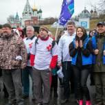 Наталья Виртуозова и Никита Чаплин приняли участие в общеобластном субботнике в Коломне