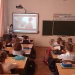 Выплаты школьникам получат более 200 тысяч детей Саратовской области