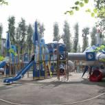 Новый сквер с игровым комплексом на космическую тематику создали в Иркутске в рамках партпроекта «Городская среда»