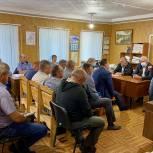 Проблемы заготовки древесины в порховском лесничестве обсудил с арендаторами Александр Котов