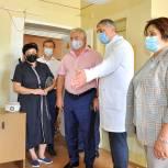 Боремся с коронавирусом и онкологией: самарские единороссы проверили ход модернизации городской больницы № 6