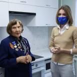 Алёна Аршинова встретилась с ветераном Великой Отечественной войны Анной Ивановной Саенко
