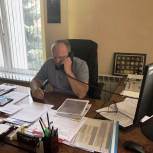 Иван Бабошкин во время приёма граждан разъяснил заявительнице порядок предоставления земельных участков многодетным семьям