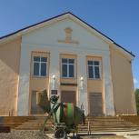 Капитальный ремонт в Доме культуры поселка Стекольный идет полным ходом