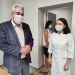 Депутат Госдумы Леонид Черкесов встретился с медиками Красночетайской районной больницы