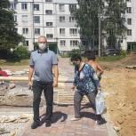 Владимир Суслин проинспектировал благоустройство сквера по ул. Епифанской