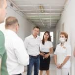 Александр Легков проверил ход ремонта в офтальмологии Сергиева Посада