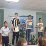 Леонид Пронин и Юрий Зорин приветствовали участников соревнований по плаванию в Урмарах