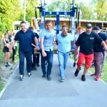 В Народный фитнес-парк в Заводском районе привезли первые тренажеры