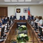 «Единая Россия» выносит на сессию в августе пакет социально значимых инициатив