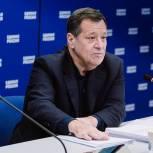 Андрей Макаров: «Анонсированные Президентом единовременные соцвыплаты пенсионерам и военнослужащим профинансируют из дополнительных доходов бюджета»