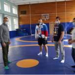Спорт высоких достижений начинается со спортивных секций  -  Евгений Попов