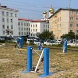 Депутат Ксения Суханкина помогла школе отремонтировать спортивную площадку