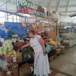 Александра Сызранцева провела мониторинг цен на сезонные овощи на рынке «Северный»