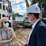 Татьяна Соломатина проверила ход строительства детских садов в Томске