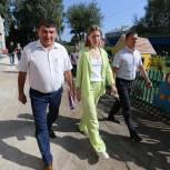 Алёна Аршинова и Леонид Пронин ознакомились с ходом капремонта и строительства образовательных учреждений в районах Чувашии