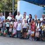 Парламентарии поддержали акцию «Подарите детям радость»