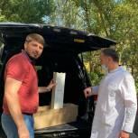 Активисты единого волонтерского штаба передали рециркуляторы, средства защиты и воду больнице в Кизляре