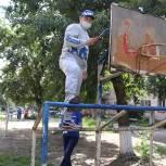 Партийный актив «Единой России» продолжает преображать столичные и районные дворовые площадки Тувы