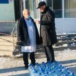 Депутат решил помогать больнице питьевой водой до конца пандемии