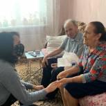 Татьяна Ерохина поздравила ветеранов из Заводского района Саратова с наступающим Новым годом
