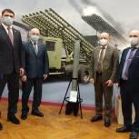 Единороссы Электростали организовали экскурсию в музей Машиностроительного завода для депутатов Богородска