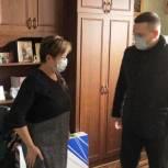 Депутат Андрей Воробьев вручил подарок юноше-инвалиду