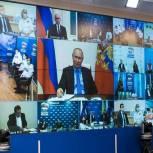 «Единая Россия» предложила страховать учителей на случай заражения COVID-19 на работе