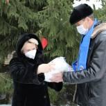 Единороссы благодарят медиков и поздравляют с Новым годом