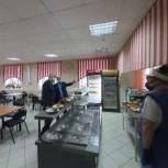 Депутат убедился в качественной организации питания в двух саратовских школах