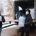 Волонтеры доставили в больницы Москвы восемь тонн бутилированной воды