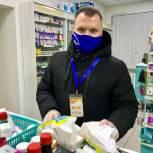 Руководитель окружной общественной приемной доставил лекарства для пациента, находящегося в реанимации