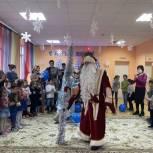 Партийцы устроили новогоднюю сказку для детей с ОВЗ из Махачкалы
