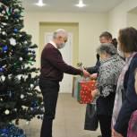 Депутаты организовали акцию по доставке детям с целиакией безглютеновых подарков