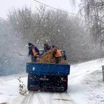 В Корочанском районе депутаты помогают расчистить улицы